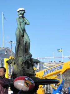 Havis Amanda by Ville Vallgren