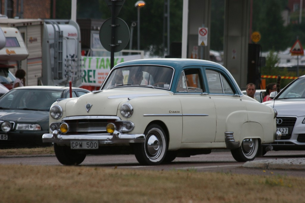 Vauxhall Cresta circa 1954-57 probably.
