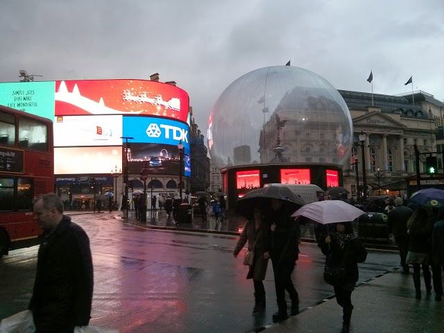 This was the snow globe covering the statue of Eros in Piccadilly circus shortly before the storm destroyed the globe