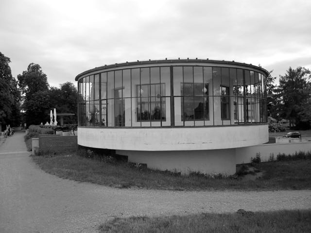 Korn Haus restaurant on the Elbe rotunda