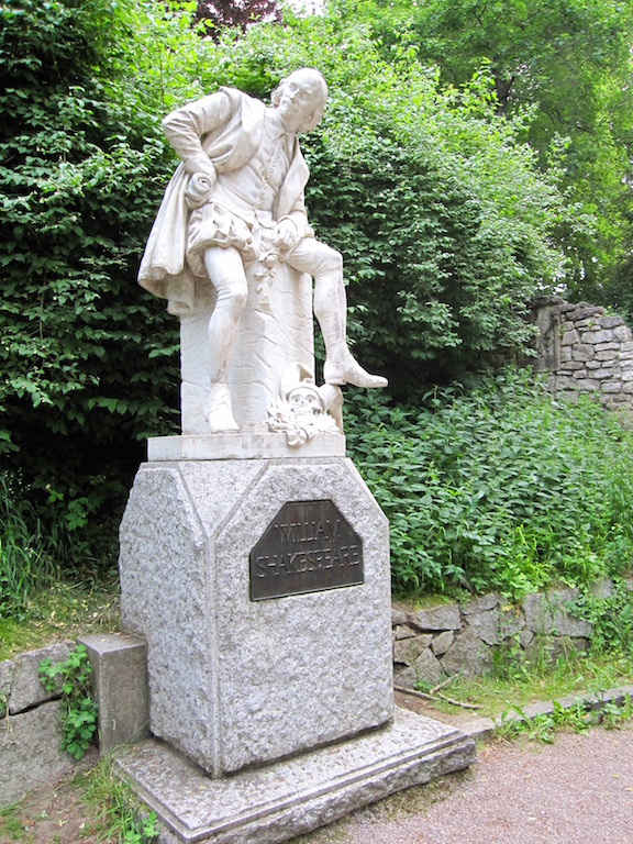 Shakespeare statue in Park and der Ilm in Weimar