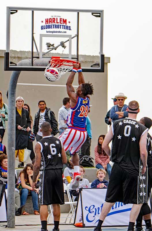 Beast dunks