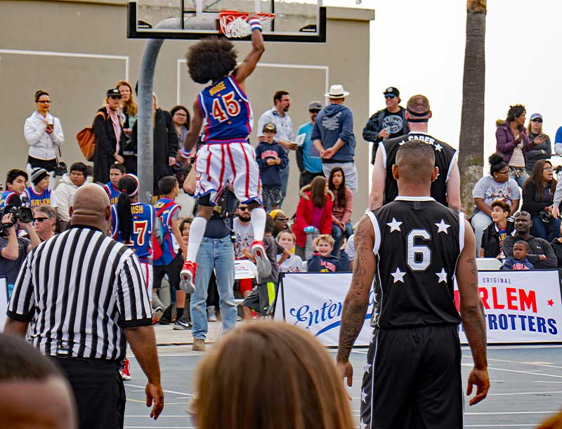 Here is a dunk by the Harlem Globetrotters.