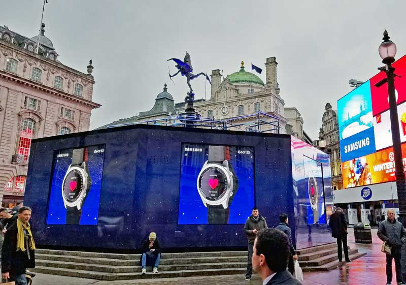 Piccadilly Circus with the Eros staatue