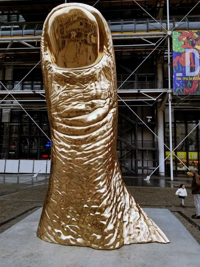 "Césqr le pouce - ""the thumb"" outside the centre Pompidou during the César exhibit."