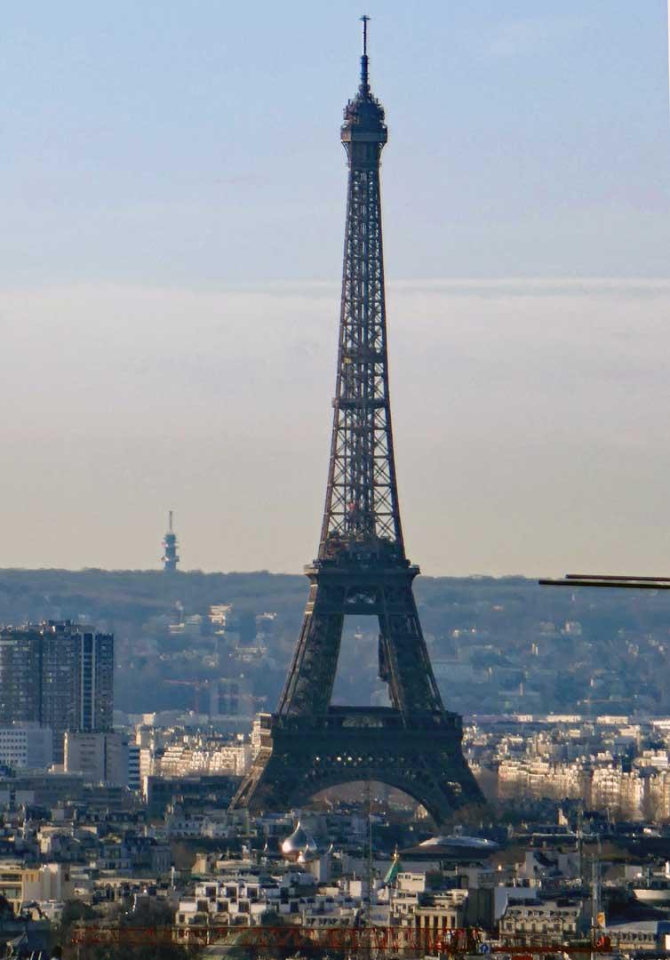 Eiffel tower from the butte de Montmartre and Sacré Coeur.