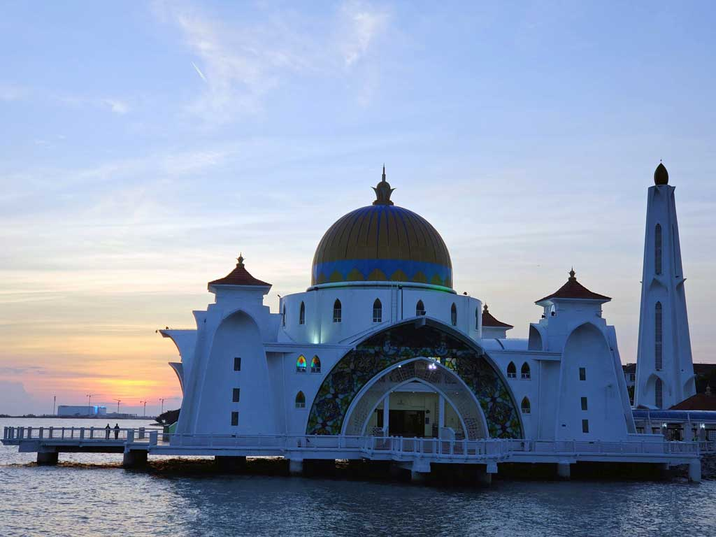Floating Mosque in Melaka Malaysia on July 25 at 19:23