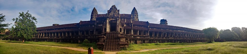 Panoramic view of the South entrance to Angkor Wat.