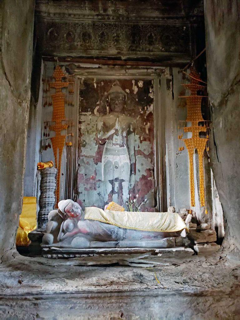 Reclining Buddha in the main tower.