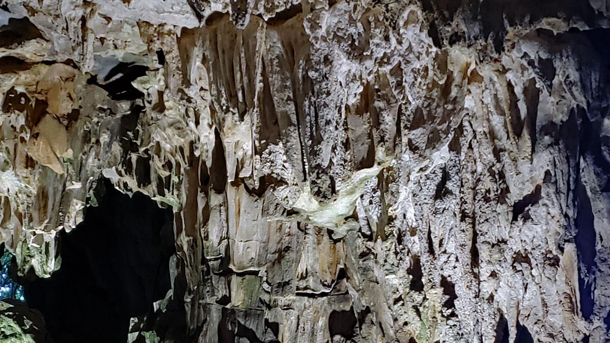 Ha Long Bay Caves