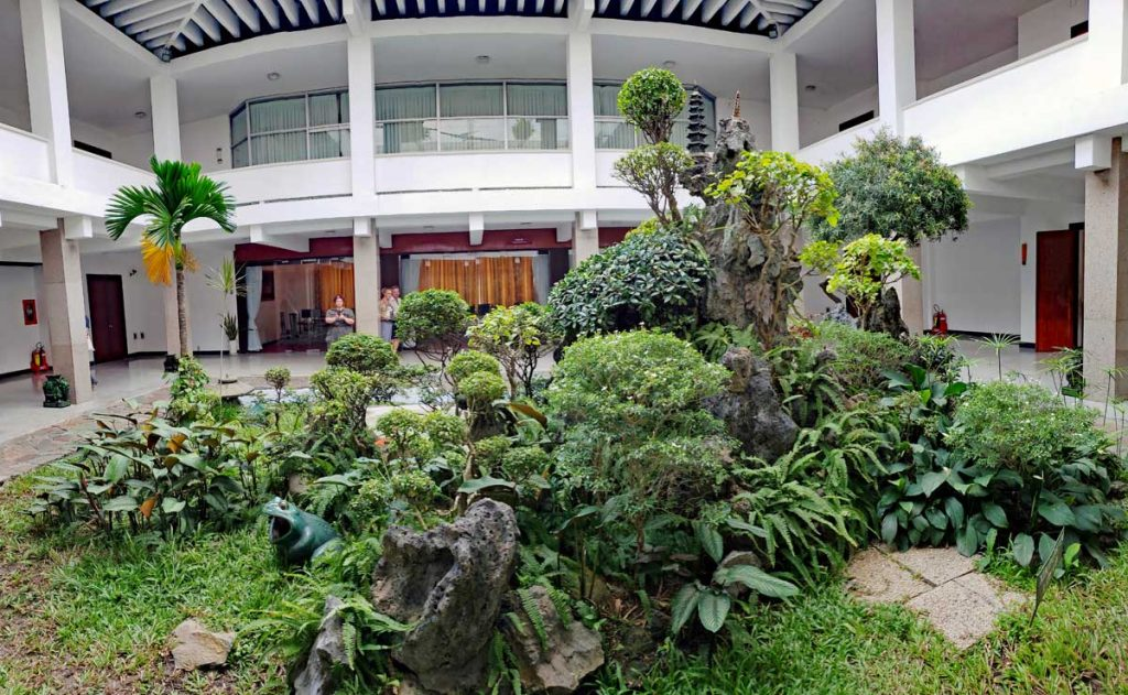 The private residence of the President in the Palace has a miniature bonsai landscape in the central courtyard.