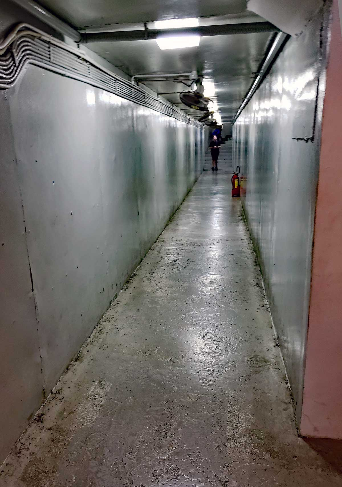 Long corridors are running the length of the Palace and numerous offices, communication rooms and bunk rooms are located along these corridors.