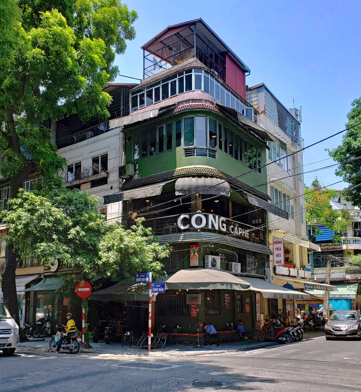 One of the Cộng Câ Phê coffe shops in old city Ha Noi.