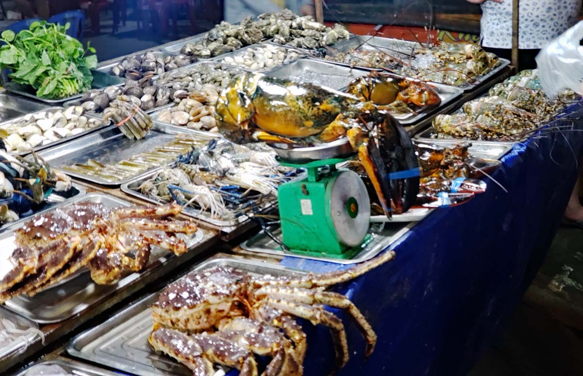 A majority of the food offerings are seafood, fished locally.